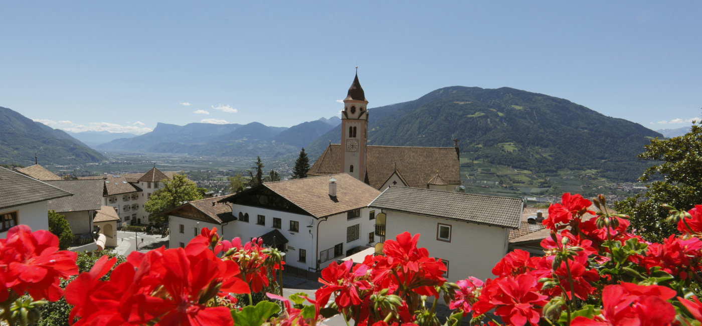 Dorf Tyrol and surroundings